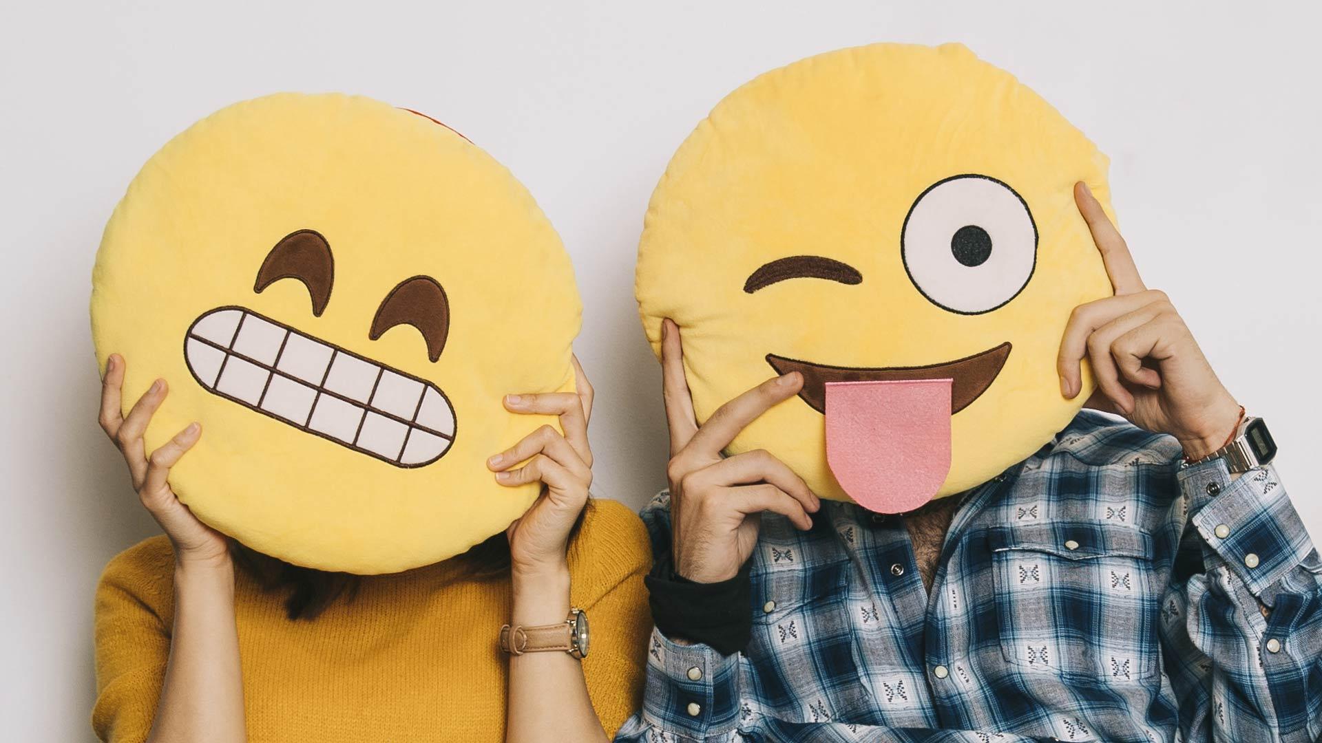 Couple-emoji-face