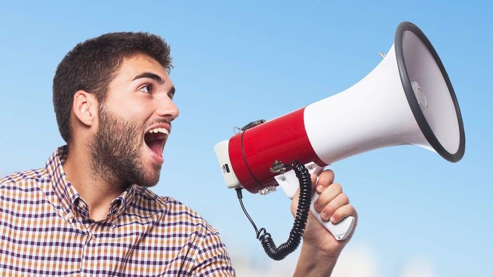 Sentiment Analysis   Lancia il prodotto e analizza le reazioni sui social media