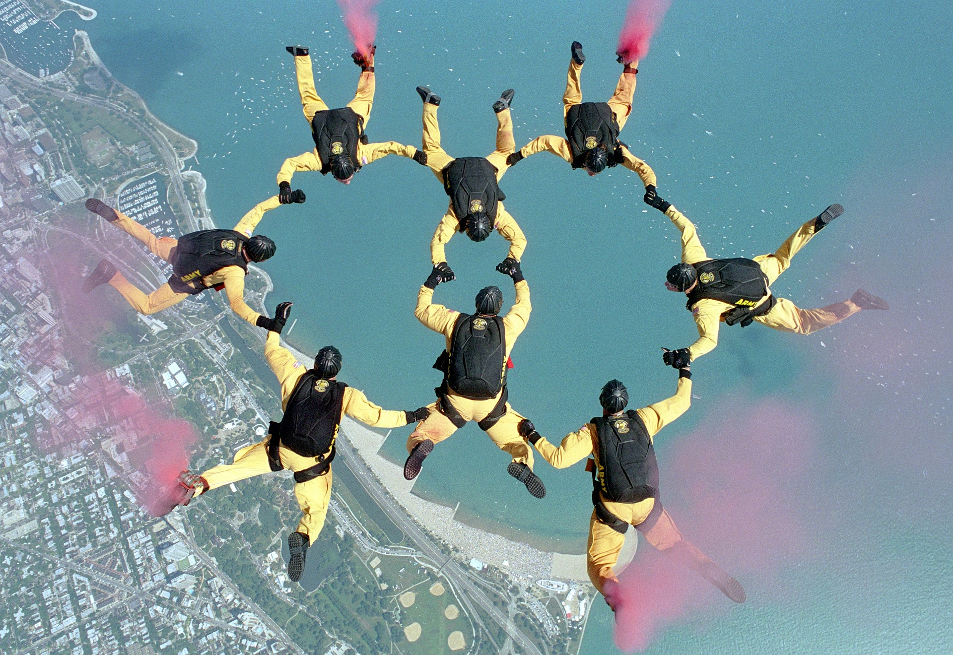 Creating HubSpot Integrations through your trusted HubSpot Integrator makes your software system perform as perfect as a flawless skydiving exhibition!