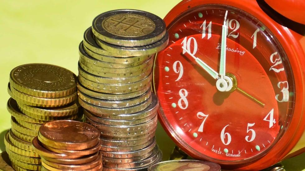 Utilizando risorse generiche puoi ricavare in breve tempo tutti i costi necessari a proporre un'offerta di progetto a un cliente