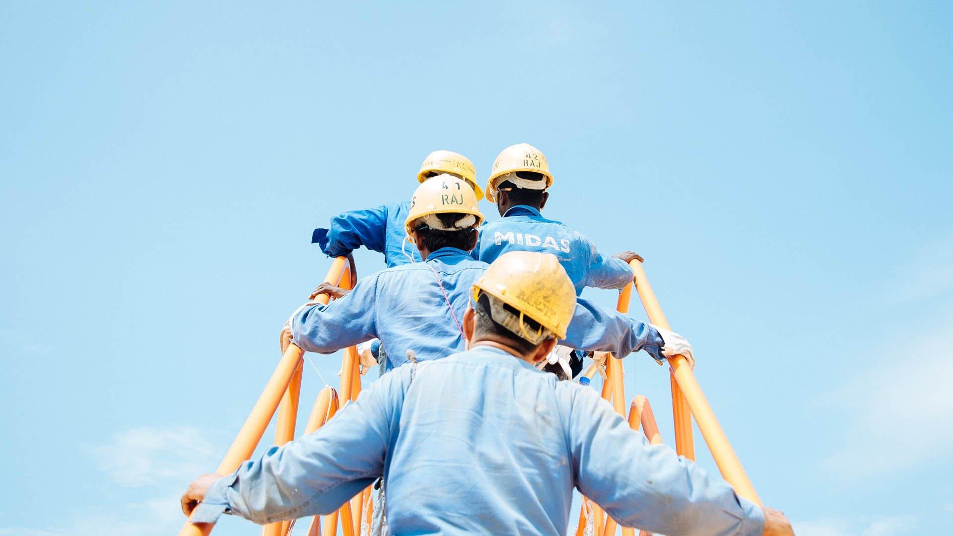 Connettere i lavoratori con i portali Intranet
