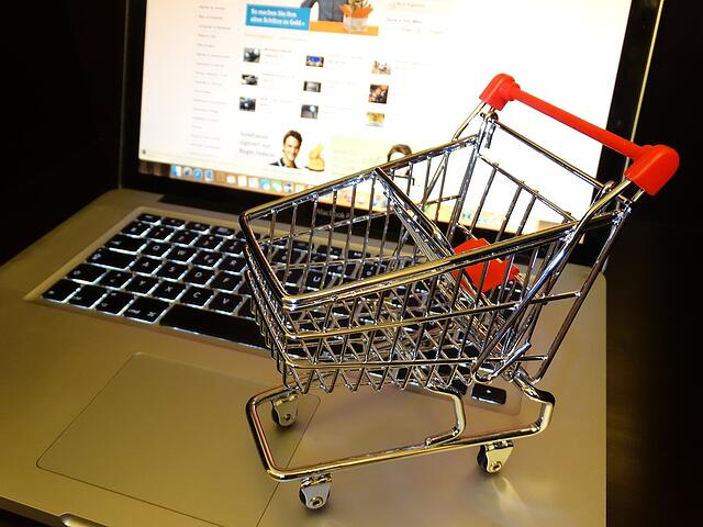 Ecommerce brings shopping right to the end customer